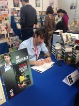 Festival Étonnants Voyageurs, édition 2015. Séance de signatures au stand de la librairie Coiffard.