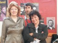 Étonnants voyageurs 2008: avec Anne Perry (à gauche), la reine anglaise du polar historique et Viviane Moore (à droite), la papesse française.