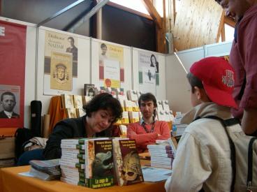 Étonnants voyageurs 2008: avec Viviane Moore qui dédicace à tour de bras.